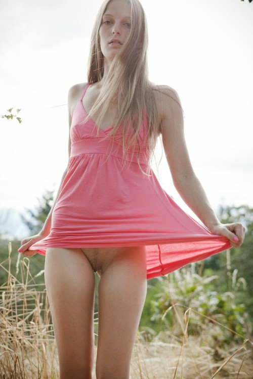 flashboutin:  Flashboutin presents… Pretty in Pink  All images...